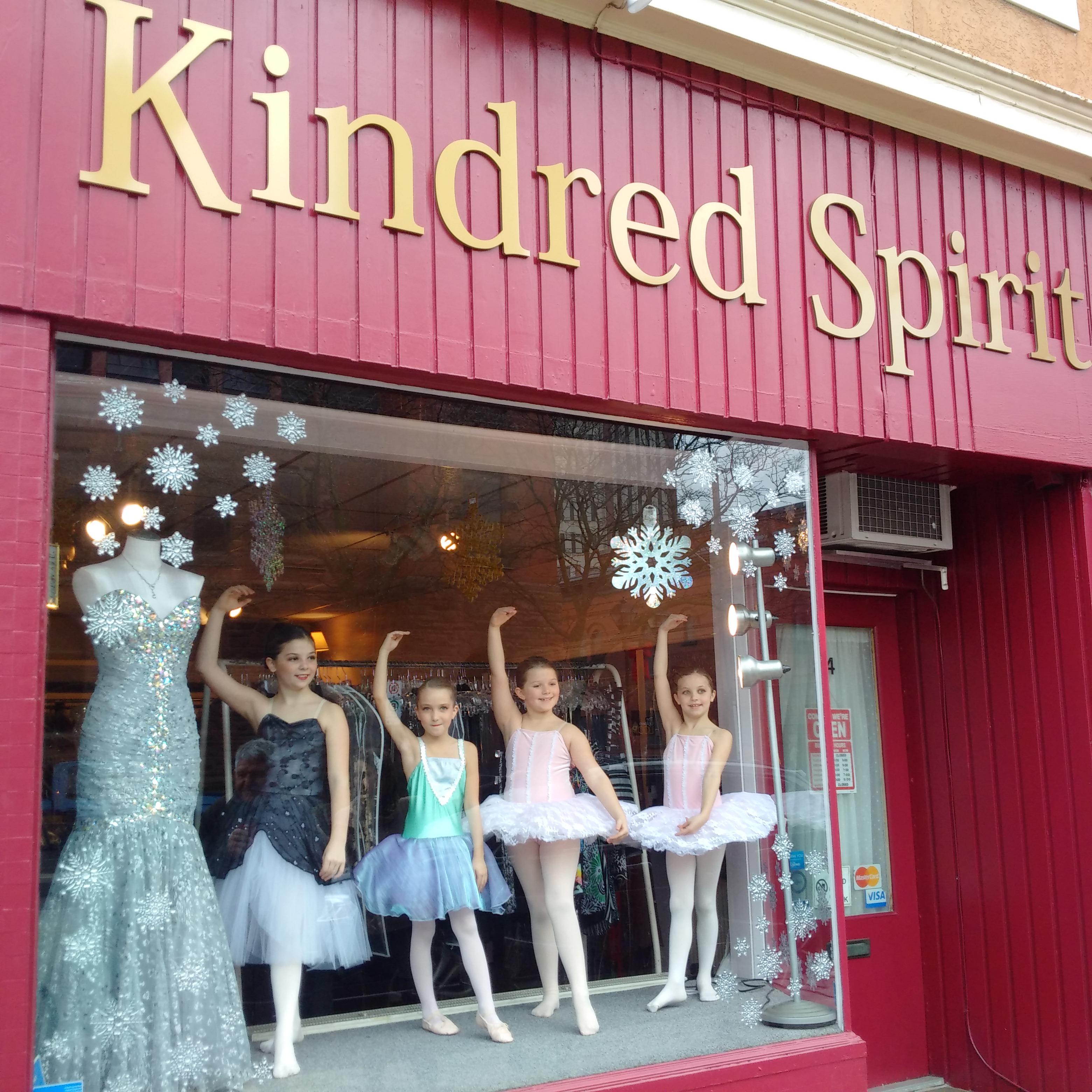 Ballerinas at Kindred Spirit 003